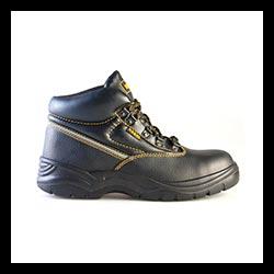 RE811 Chukka Boot